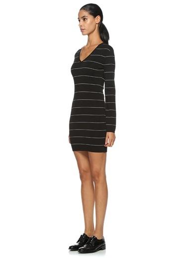 V Yaka Çizgili Mini Elbise-Gravitas